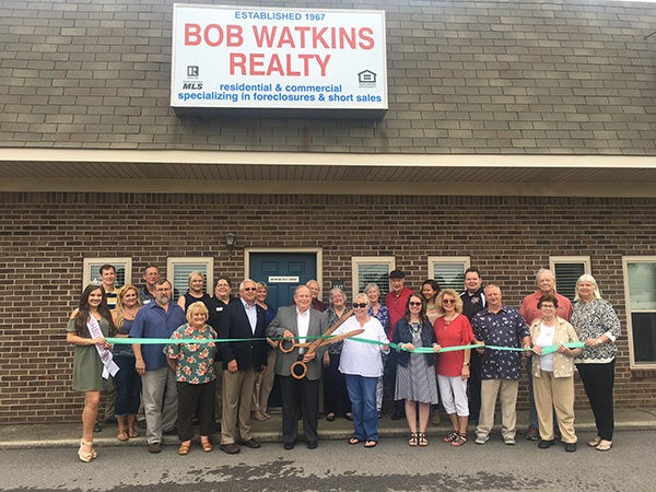 Bob Watkins Realty Ribbon Cutting | We are excited about Bob Watkins Realty relocating to Leeds! The Leeds Area Chamber of Commerce and the City of Leeds cut the ribbon at Bob Watkins Realty this week. Bob Watkins Realty is located at 1927 Courson Street.