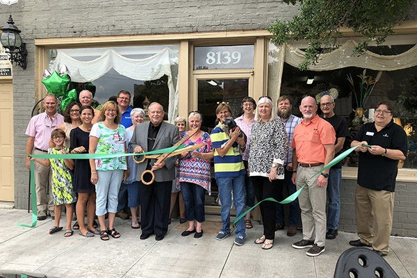 Timeless Treasure Shoppe Ribbon Cutting | Another New Business Downtown! Another new business has joined us in downtown Leeds. We cut the ribbon this morning on a new gift shop in our downtown business district. Lots of goodies for you to browse.