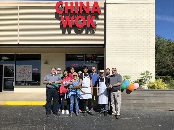 We welcome China Wok Leeds who just opened in the Leeds Commons Shopping Center next to Daylight Donuts. The City of Leeds and Leeds Area Chamber of Commer