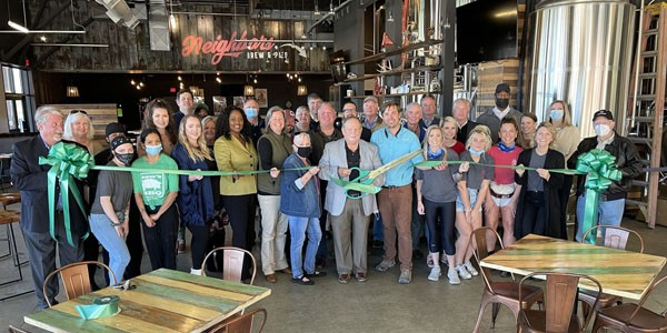 Neighbors Brew & Pies / Saw's BBQ Ribbon Cutting & Grand Opening | The City of Leeds & the Leeds Area Chamber of Commerce conducted a ribbon